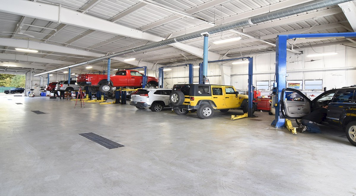 Wetzel Chrysler auto dealership finished construction picture 5